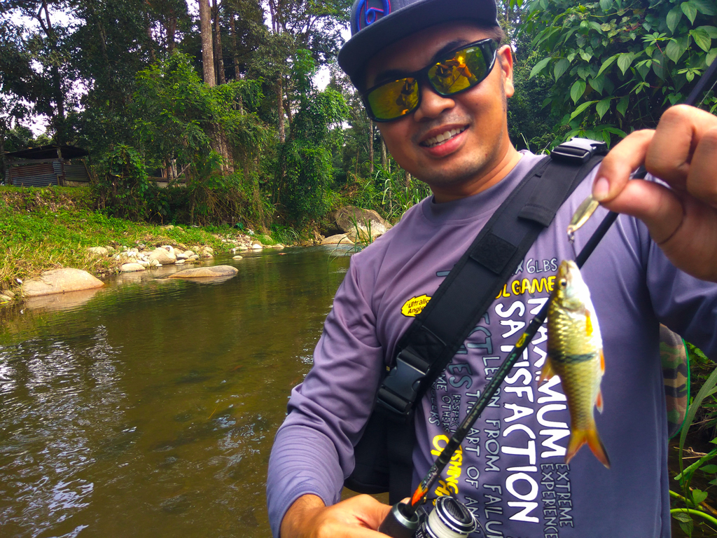 Foong caught sebarau hampala on kanicen nix micro spoon